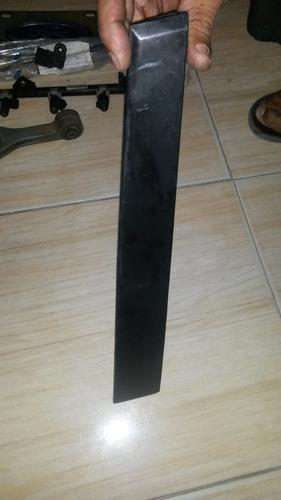platina de marco d puerta  derecha delantera de focus 2006