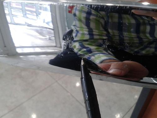 platina maleta corolla 2009-2011 con detalle original