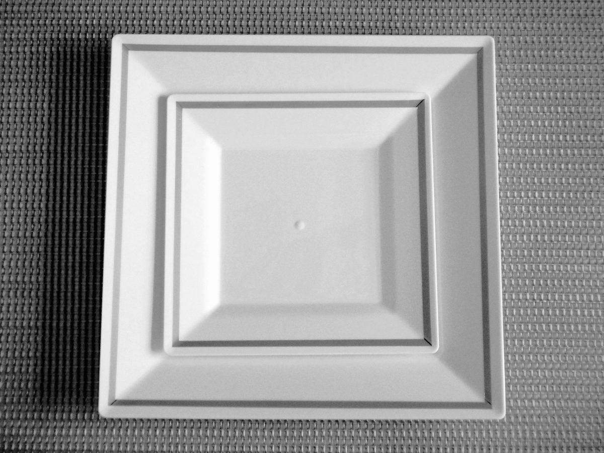 Plato blanco pl stico desechables vajilla cumplea os for Plato blanco