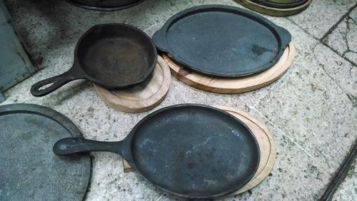 plato de fierro fundido con mango para carnes y parrilladas