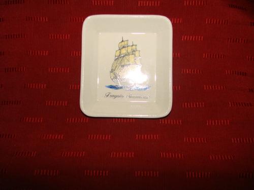 plato de pared  hartford de loza c/enganche
