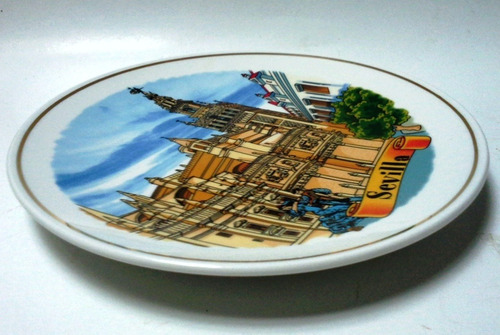 plato de pared mediano porcelana souvenir sevilla