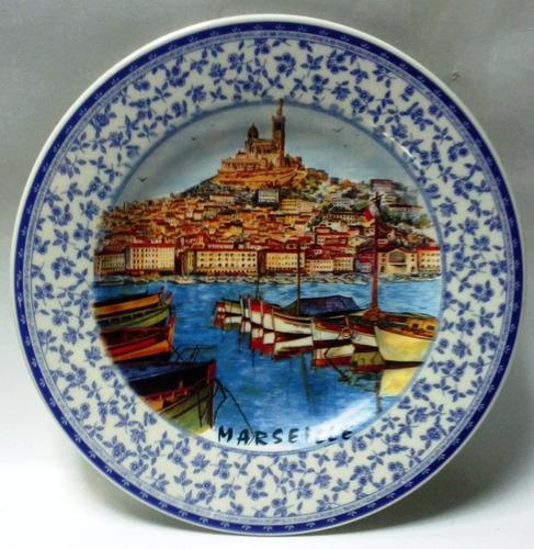 plato de pared souvenir marseille borde ancho flores azules