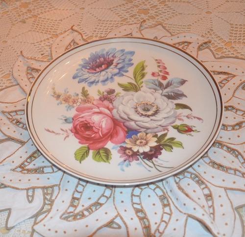 plato de porcelana  okm england.