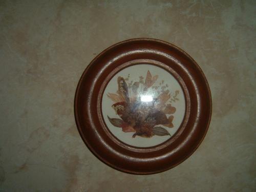 plato en madera  con flores secas decoración