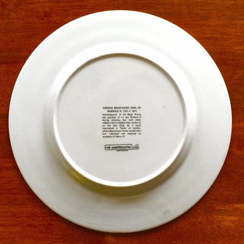 plato ingles de porcelana de los 70s tambien tengo versace