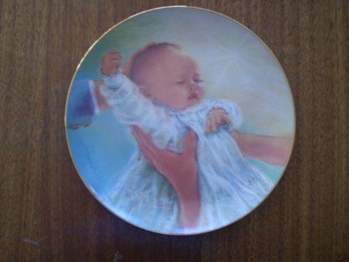 plato porcelana de bautismo  1987