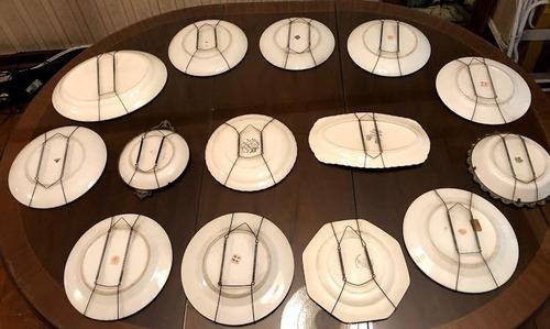 platos antiguos pocerlana con soporte pared