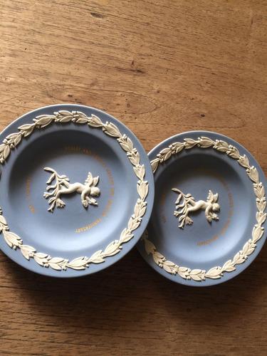 platos decorativos  made in england wedgwood pequeños