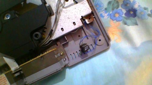 play station 1 con 1 control para reparar.