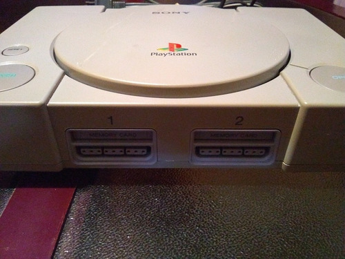 play station 1 (fat) + 1 control + memory card + cables