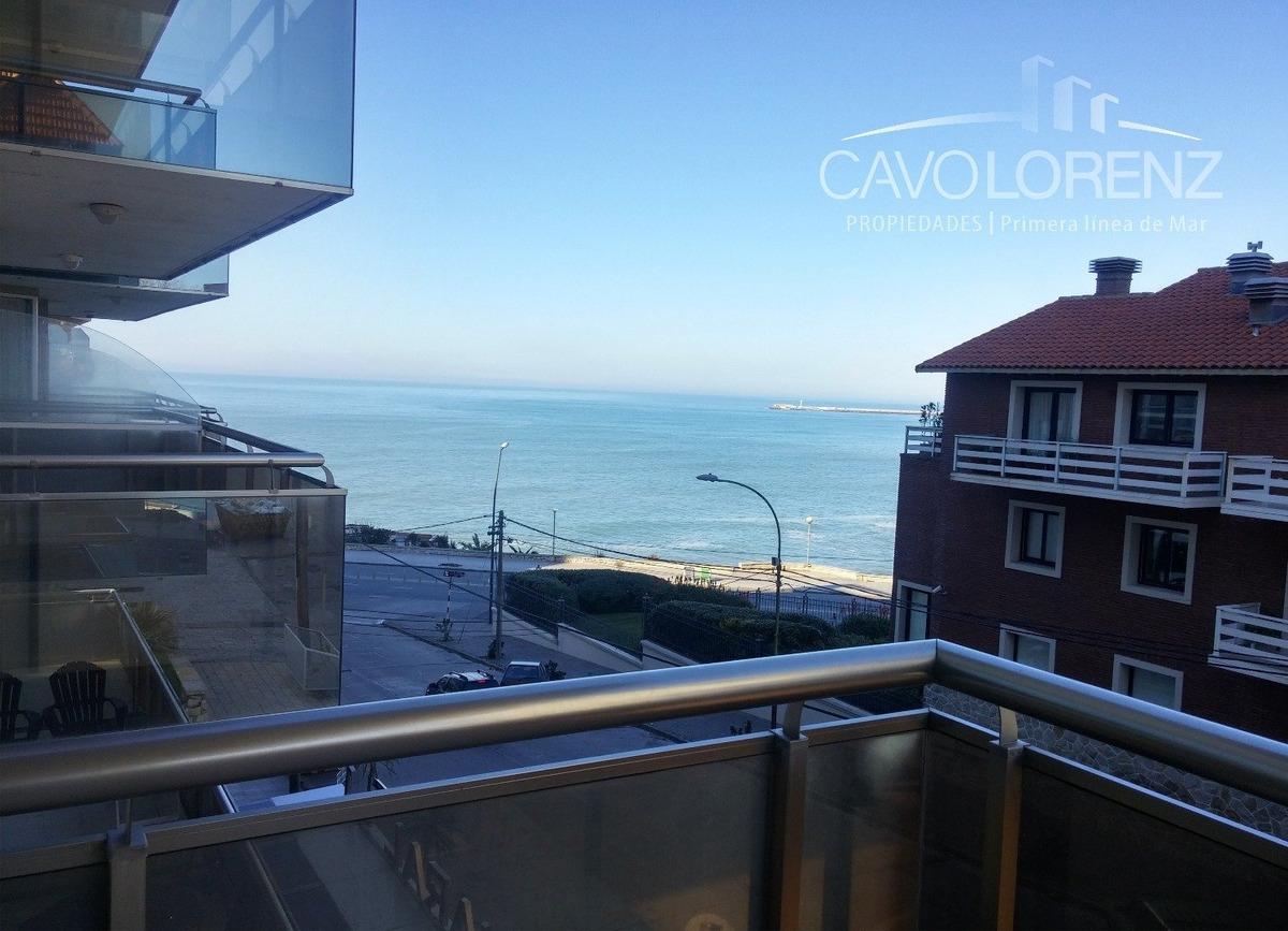 playa chica. departamento de categoría 2 ambientes. vista al mar.