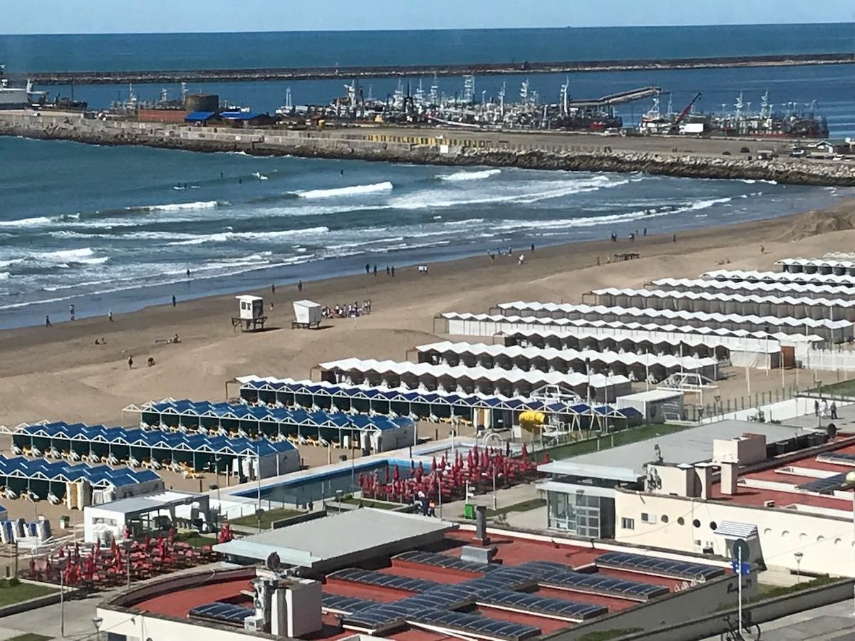 playa grande  vista plena al mar 4 amb exclusivo familia
