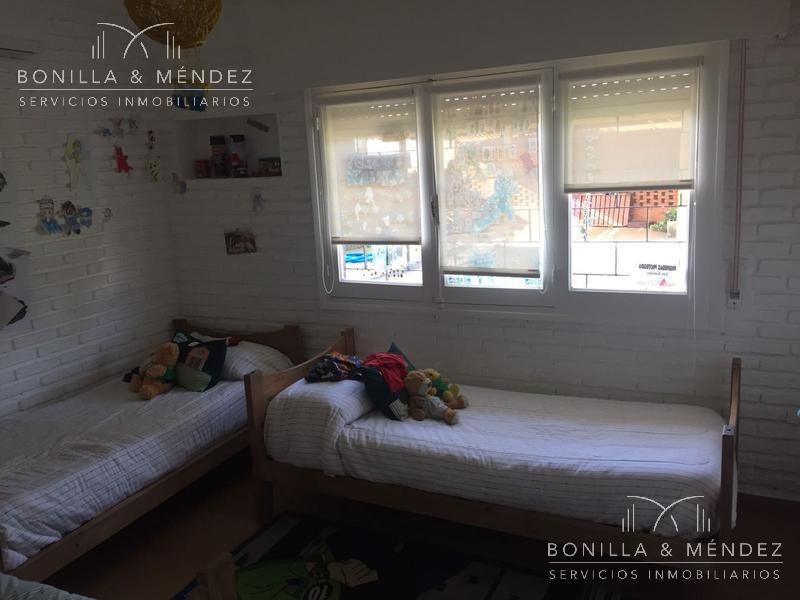 playa mansa, las delicias, a pasos del mar, 2 dormitorios, dependencia, piscina climatizada