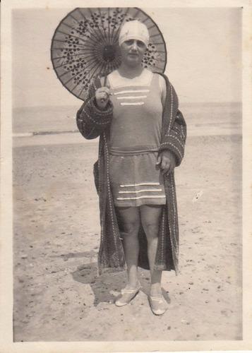 playas antigua fotografia bañista uruguay vestimenta vintage