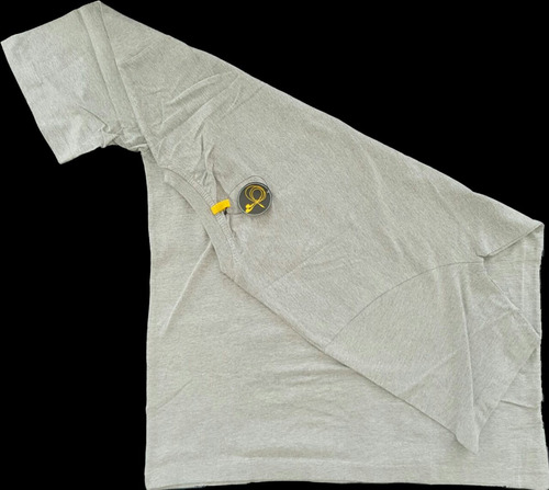 playera caterpillar ranura audifonos