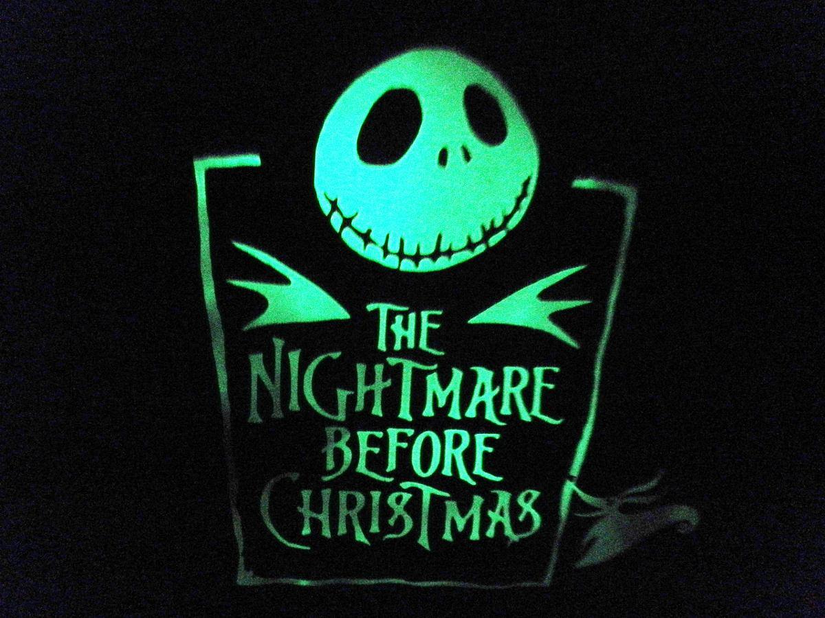 Playera Con Logo Fotoluminiscente Halloween Hm4 -   250.00 en ... 7603012c02fd6