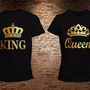 foto de Playera Estampada Parejas King Y Queen Dorado $ 390 00