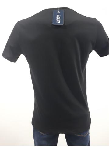 playera marca autentic lyon 312160 001 negro con diseño