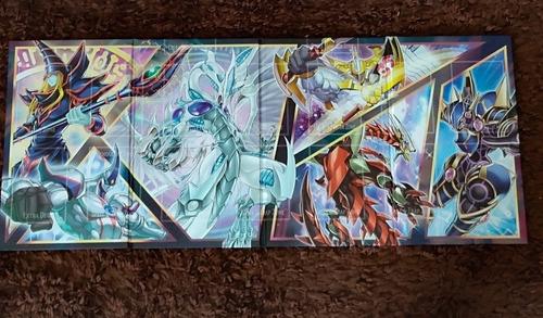 playmat(campo) + caixa duel power + card oversized aleatório