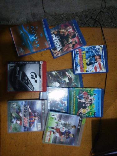 playstation 3 + 3 juegos + 8 películas + 2 controles