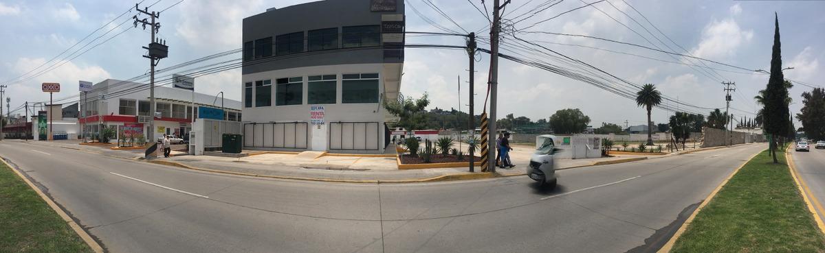 plaza comercial y terreno negociable completo o partes