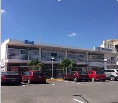 plaza en venta con locales comerciales
