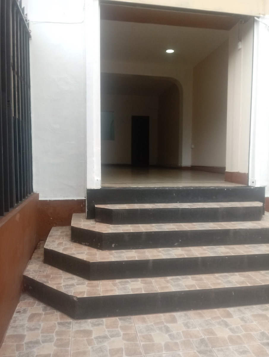 plaza foch local de arriendo