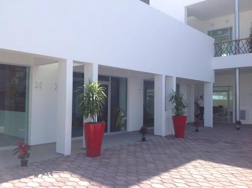 plaza la joya, local 02 renta, planta baja.