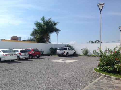 plaza la joya, local 10 renta, planta baja.