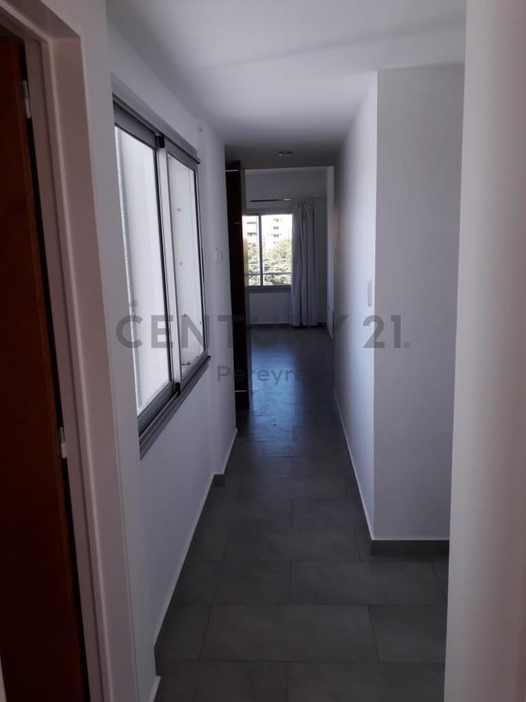 plaza olazabal. departamento 2 dormitorios en venta. la plata