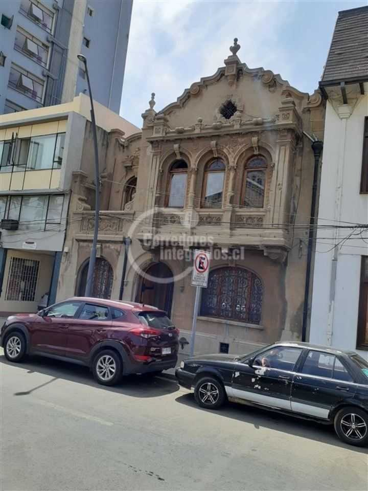 plaza parroquia / alvarez