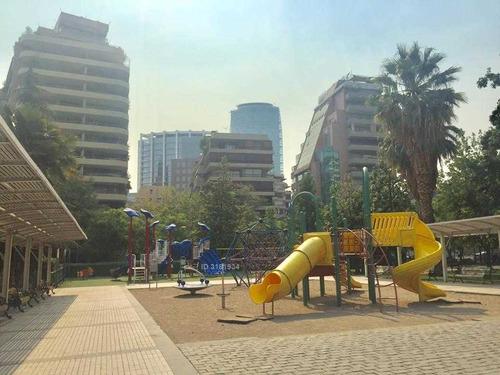 plaza peru 300