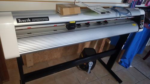 Plotter de corte con mesa mas cuchilas 2 porta cuchillas for Plotter de mesa