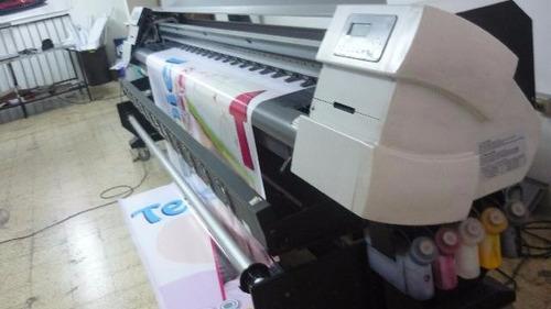 plotter de impresión graphtec js 310 trabajando