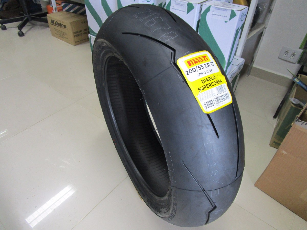 pneu traseiro pirelli diablo supercorsa sp 200 55 r17 78w. Black Bedroom Furniture Sets. Home Design Ideas