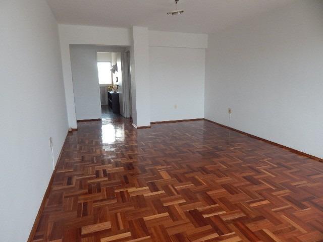 pocitos alquiler 3 dormitorios impecable piso alto