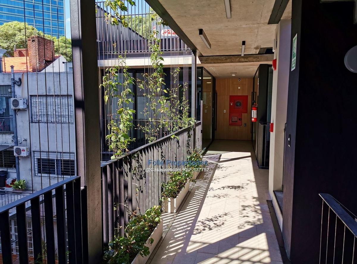 pocitos nuevo estrena oficina con garage amenities