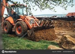 poda de arboles césped limpieza de fondos terrenos escombros