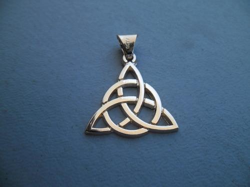 poderoso dije wicca y celta de la triqueta en fino oro 14 k.