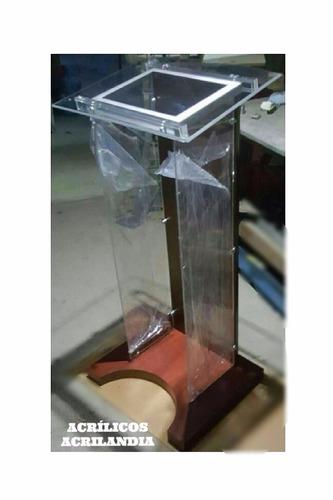 podium en acrílico (elegante)