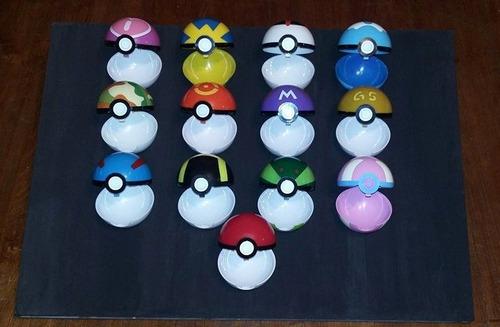 pokeball + 2 pokémon (2-3cms) al azar. (13 modelos a elegir)