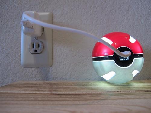 pokemon go pokebola power bank iphone 5/6/6 plus galaxy s7..