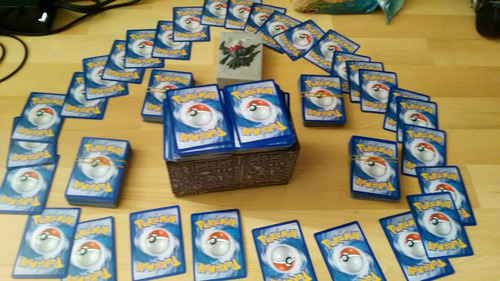 pokemon tcg paquete de 50 cartas.