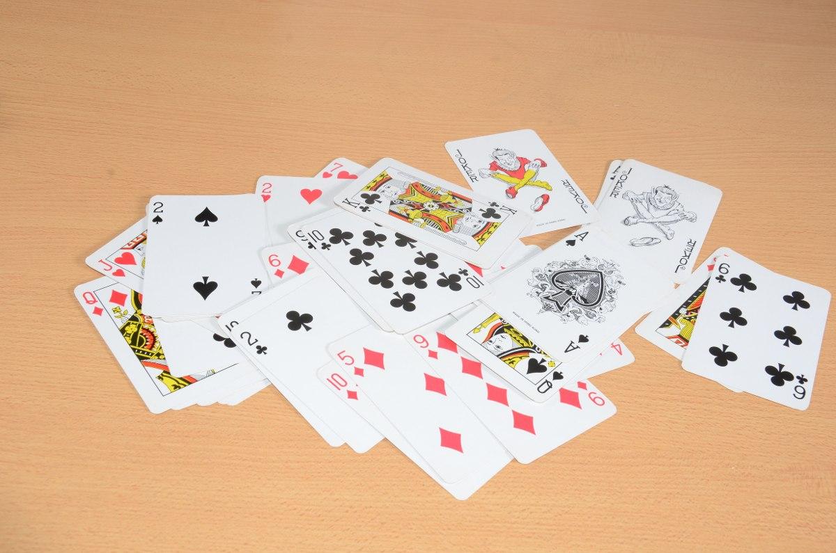 Juego De Cartas De Poker 54 Naipes 50 00 En Mercado Libre