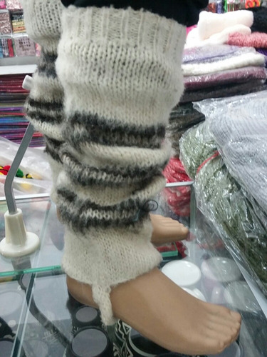 polaina y calceta chilota