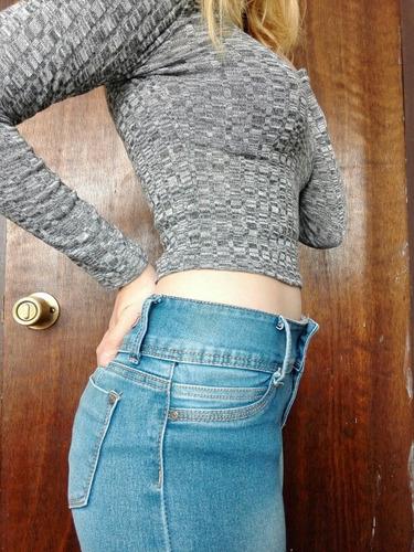 polera gris manga larga