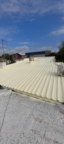 poliuretano expandido proyectado para techos y paredes