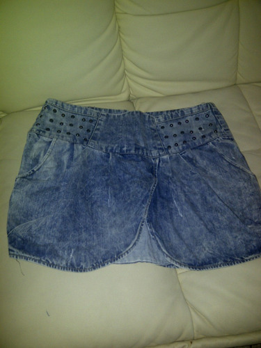 pollera de jean taura nueva,con tachas vendo o permuto.