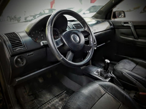 polo sedan 1.6 - completo / 2006